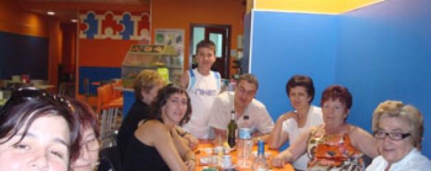 DIA MUNDIAL 2009: COMIDA DE HERMANDAD